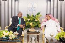 خادم الحرمين يستقبل رئيس جمهورية جيبوتي ويُكرمه