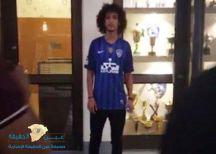 عموري يرتدي القميص الأزرق في بيت الهلال