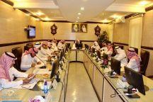 المجلس البلدي بمنطقة حائل يعقد اجتماعا موسعا