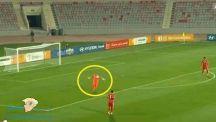حارس الأردن يحرز هدفاً رائعاً من مرماه في مباراة أمام المنتخب الهندي