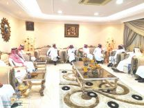مدير جامعة حائل في زيارة خاصة لرجل الاعمال عبدالعزيز الزقدي بمنزله بحائل
