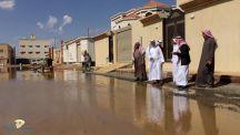 أعضاء مجلس بلدي حائل يقفون على المواقع المتأثره من الأمطار ويحثون المواطنين على الابلاغ عن الاضرار نتيجة الامطار