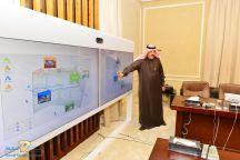 سمو امير حائل يطلع على عرض استثمارات صندوق الاستثمارات العامة في منطقة حائل .