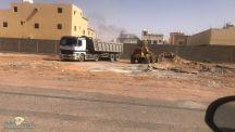 بتوجيه من رئيس بلدية جنوب حائل سعد المحيفر العمل على إزالة مخلفات البناء بأحياء جنوب حائل