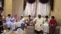 بادرة طيبة من طلاب المدرسة السعودية بحائل بزيارة اخيهم الطالب عبدالله مسعد الرشيدي الذي اصيب بوعكة صحية
