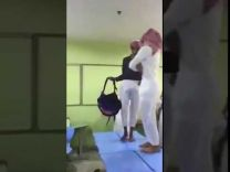بالفيديو … طلاب يسيرون على الطاولات في استعراض أزياء داخل مدرسة