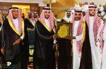 الأمير فيصل بن فهد بن مقرن يزور جناح بنك التنمية الإجتماعية بحائل المشارك بصيف حائل 40