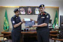 مدير دوريات الأمن يكرم الرقيب أول / عذل بن عماش الشمري نظير جهوده في مجال عمله