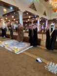 أمير منطقة حائل يتقدم المصلين لصلاة الاستسقاء