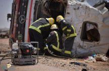 مدني حائل ينقذ سائق ناقلة نفط إنقلبت على طريق حائل / الغزالة