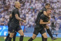 النصر يقتنص صدارة دوري المحترفين بفوز مثير على الهلال