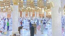 بالصور.. أول صلاة فجر من المسجد النبوي بعد إعادة فتح أبوابه
