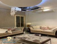 أول صور لشظايا الصاروخ الحوثي بعد سقوطها على منزل مواطن بالرياض