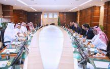 رئيس هيئة الهلال الاحمر يلتقي رئيس اللجنة الدولية للصليب الاحمر