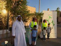 دشن اهالي المربع الذهبي بحي ملحق النفل بحائل مبادرة تشجير الحي والتي حملت عنوان (( حينا أخضر ))