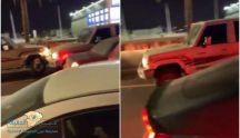 بالفيديو بــ #حائل …. جيب ربع مظلل وبدون لوحات ينحاش من المرور ويعكس الطريق ويصدم عدداً من السيارات..