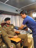 شارك عدد من منسوبي الدفاع المدني بمنطقة حائل بحملة التبرع بالدم لضيوف الرحمن بالتعاون مع الشؤون الصحية بالمنطقة