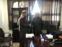 من باب الشراكة المجتمعية ابن سعيد الأستاذ نايف القعيط يدعم مدرسة الودي الإبتدائية مادياً