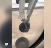 """بالفيديو… حالة رعب عندما سقطت """"عجلة"""" من طائرة لحظة إقلاعها"""