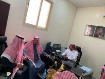 المريخي يزور منسوبي وزارة العمل والتنمية الإجتماعية في محافظة الشملي