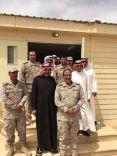 قائدة الإبتدائيه الرابعة عشر بمحافظة طريف حول إعداد وليمة غداء للجيش السعودي بالمحافظة.