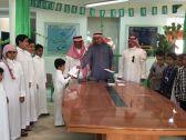 جمعية البر الخيرية بعمائر بن صنعاء تشجع الطلاب المتفوقين بالقرية
