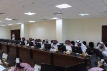اعضاء المجلس البلدي بحائل يجتمعون مع ادارة الطرق بحائل
