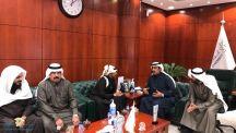 أعضاء عين الحقيقة يقدمون التهنئة لرئيس مجلس إدارة الغرفة التجارية بحائل الأستاذ عبدالعزيز بن خلف الزقدي بمناسبة انتخابه رئيساً لمجلس الغرفة
